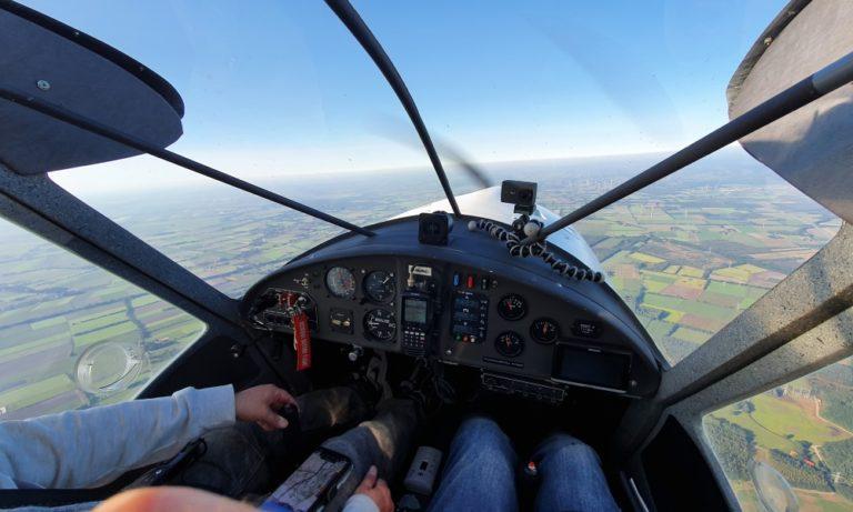 Cockpit der FK9 D-MMNO im Flug
