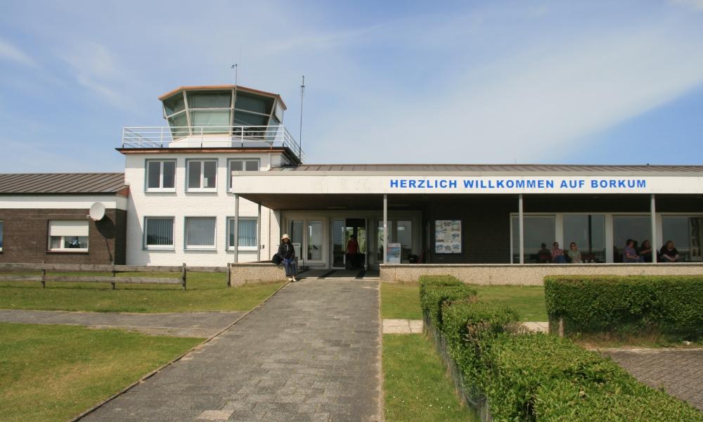 Flugplatzgebäude auf Borkum