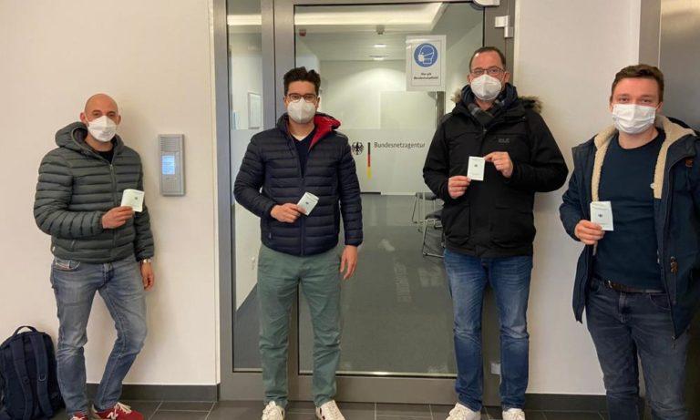 Vier unserer Flugschüler nach der Flugfunkprüfung